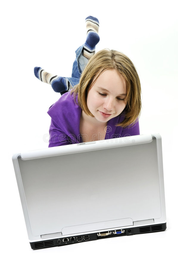 Muchacha con el ordenador imagenes de archivo