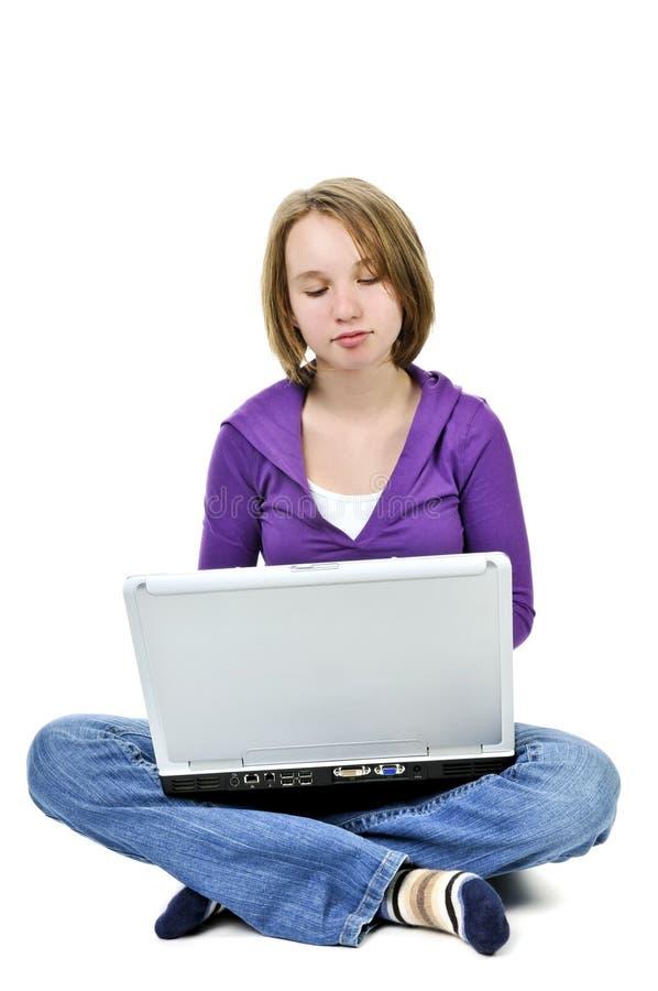 Muchacha con el ordenador foto de archivo libre de regalías