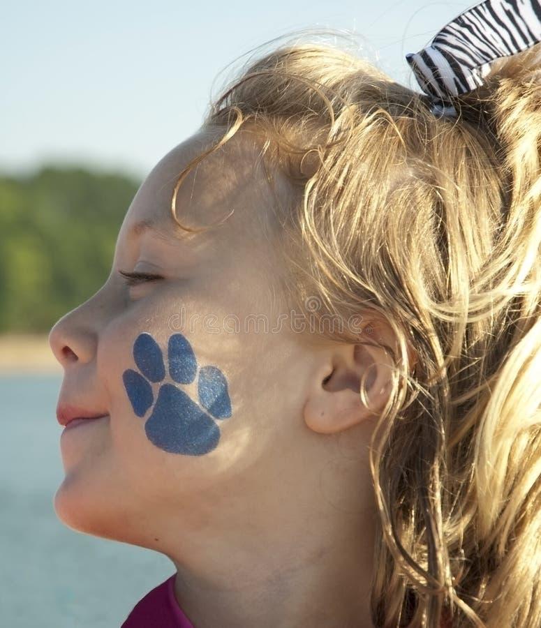 Muchacha con el tatuaje en cara fotos de archivo