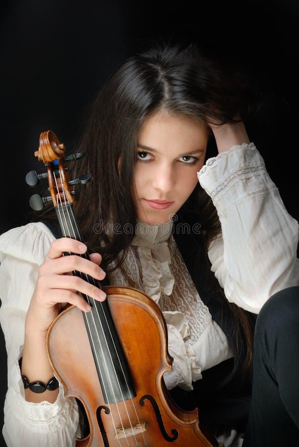 muchacha con el violín fotos de archivo libres de regalías