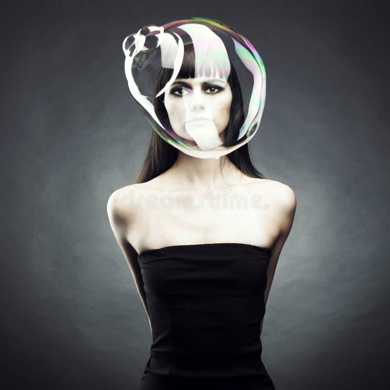Muchacha con la burbuja de jabón imagen de archivo libre de regalías