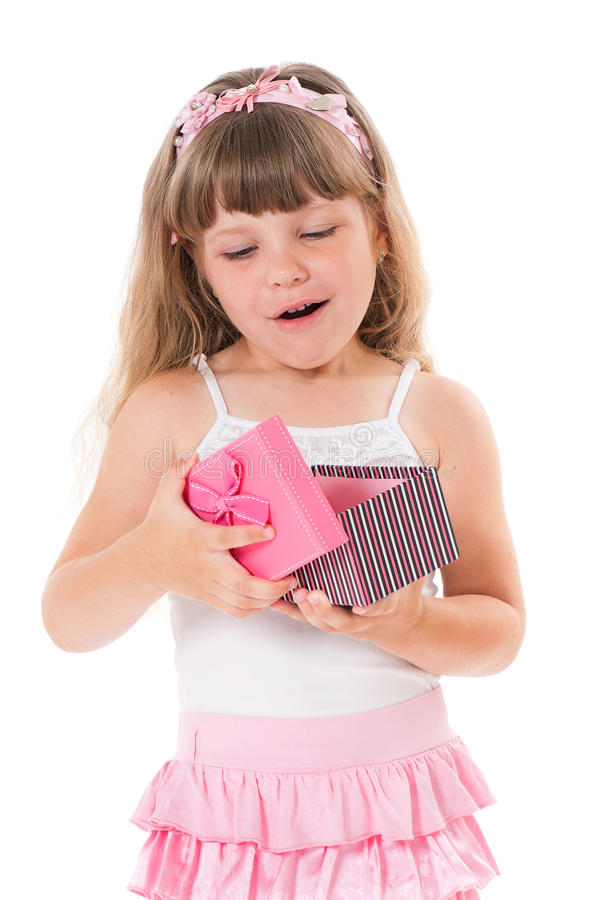 Muchacha con la caja de regalo fotografía de archivo libre de regalías