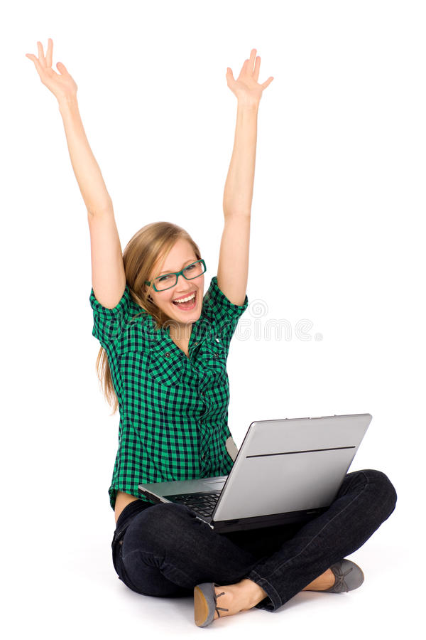 Muchacha con la computadora portátil