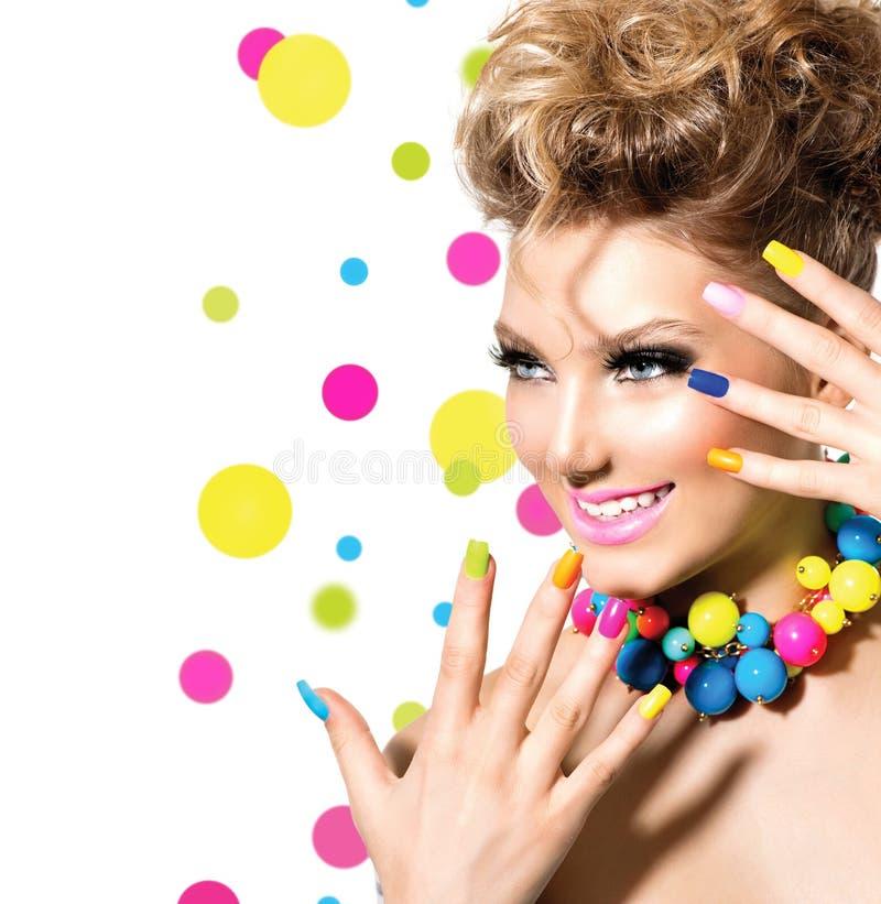 Muchacha con maquillaje colorido foto de archivo libre de regalías