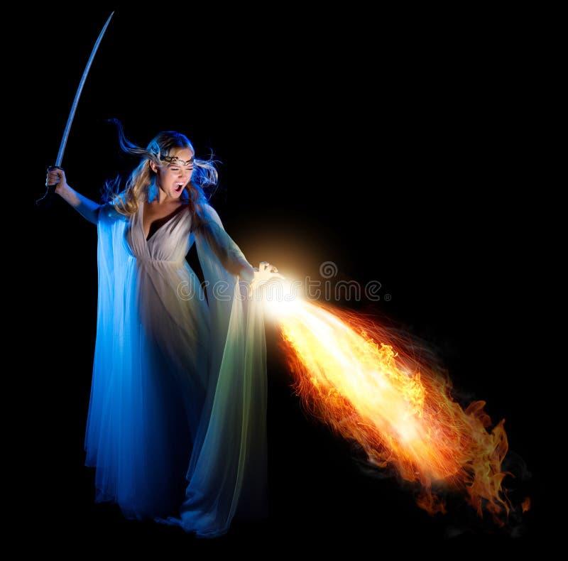 Muchacha de Elven con la espada fotos de archivo libres de regalías