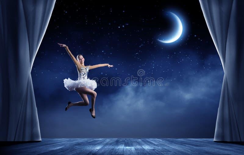 Muchacha de la bailarina imagen de archivo