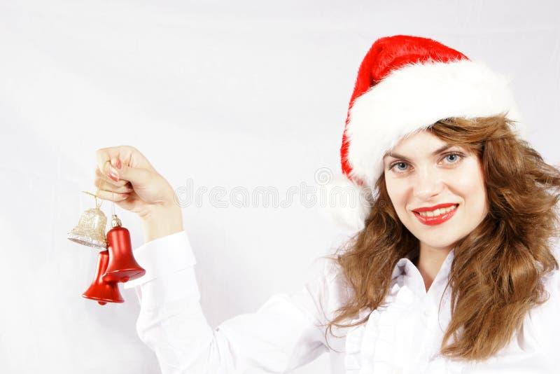 Muchacha de la Navidad con los ornamentos fotografía de archivo libre de regalías