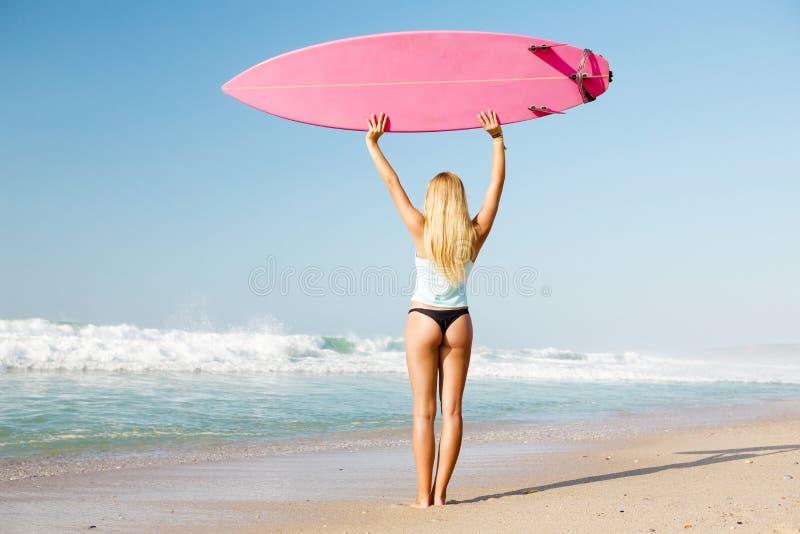 Muchacha de la persona que practica surf de Blode foto de archivo libre de regalías