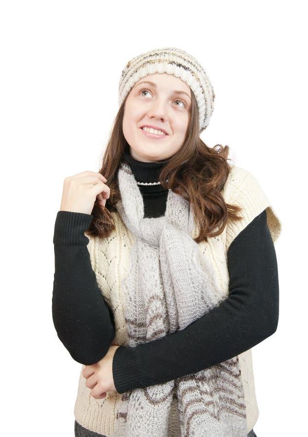 Muchacha de pelo largo en suéter y casquillo foto de archivo libre de regalías