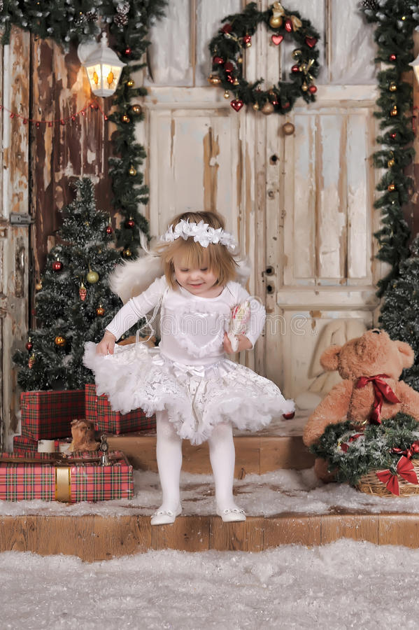 Muchacha del ángel de la Navidad foto de archivo libre de regalías