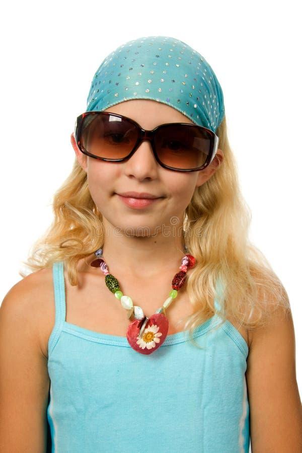 Muchacha del verano con las gafas de sol grandes imágenes de archivo libres de regalías