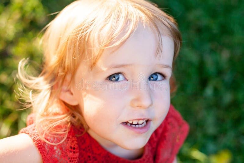 Muchacha difícil del niño imagen de archivo libre de regalías