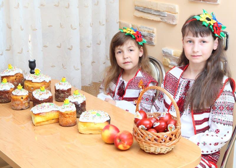 Muchacha en bordado ucraniano imagen de archivo libre de regalías