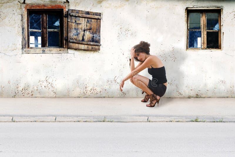 Muchacha en la calle imagen de archivo libre de regalías