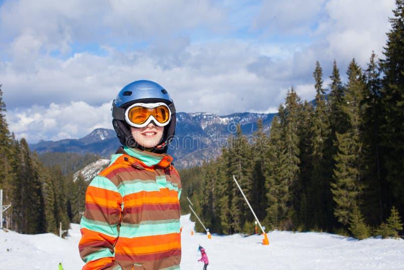 Muchacha en los esquís. fotos de archivo libres de regalías