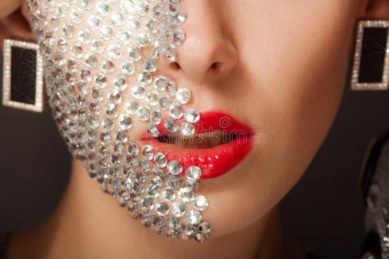Muchacha hermosa con maquillaje con los cristales imágenes de archivo libres de regalías