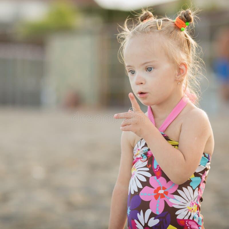 Muchacha hermosa con Síndrome de Down fotos de archivo libres de regalías