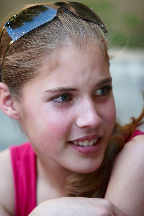 Muchacha hermosa del adolescente fotos de archivo libres de regalías