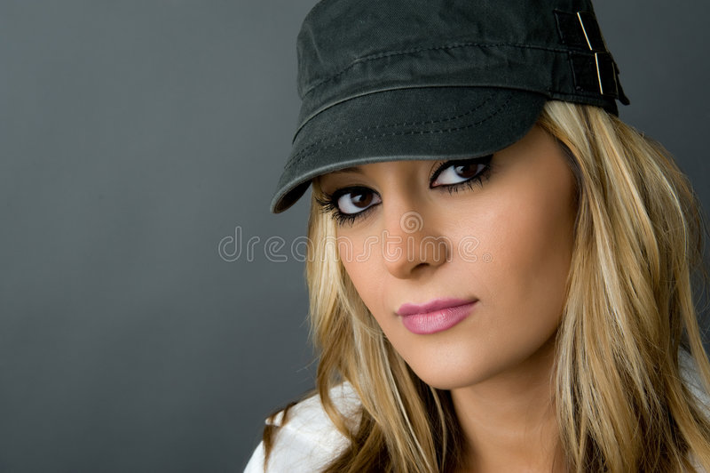 Muchacha hermosa en sombrero foto de archivo