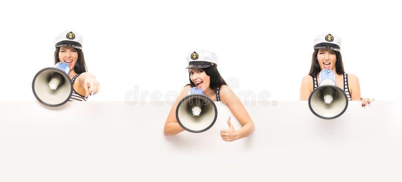 Muchacha joven, hermosa y atractiva del marinero fotografía de archivo libre de regalías