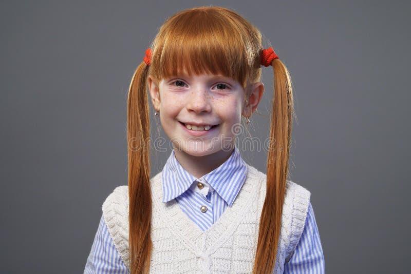 Muchacha linda del Redhead fotos de archivo libres de regalías