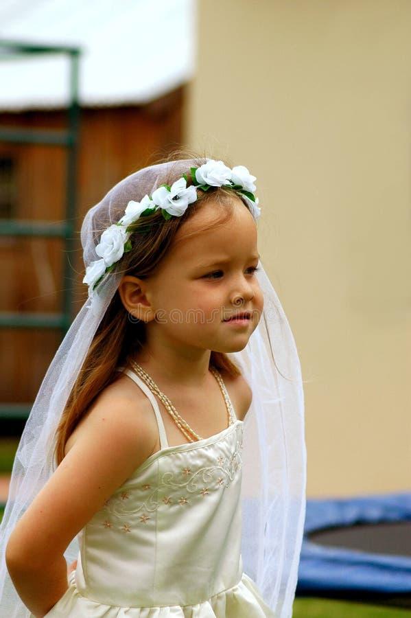 Muchacha que juega a la novia imágenes de archivo libres de regalías