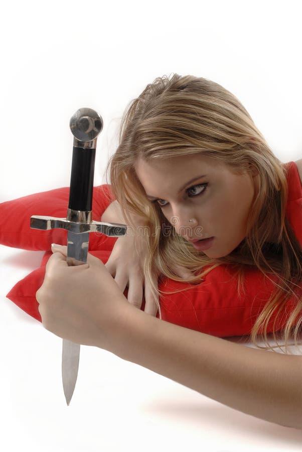 Muchacha que liga con el cuchillo imágenes de archivo libres de regalías