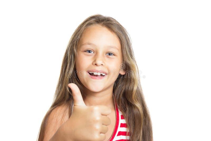Muchacha que muestra el gesto que todo es muy bien fotos de archivo libres de regalías