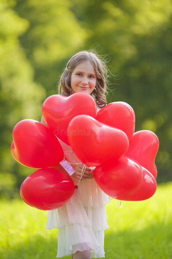 Muchacha sonriente feliz del adolescente foto de archivo