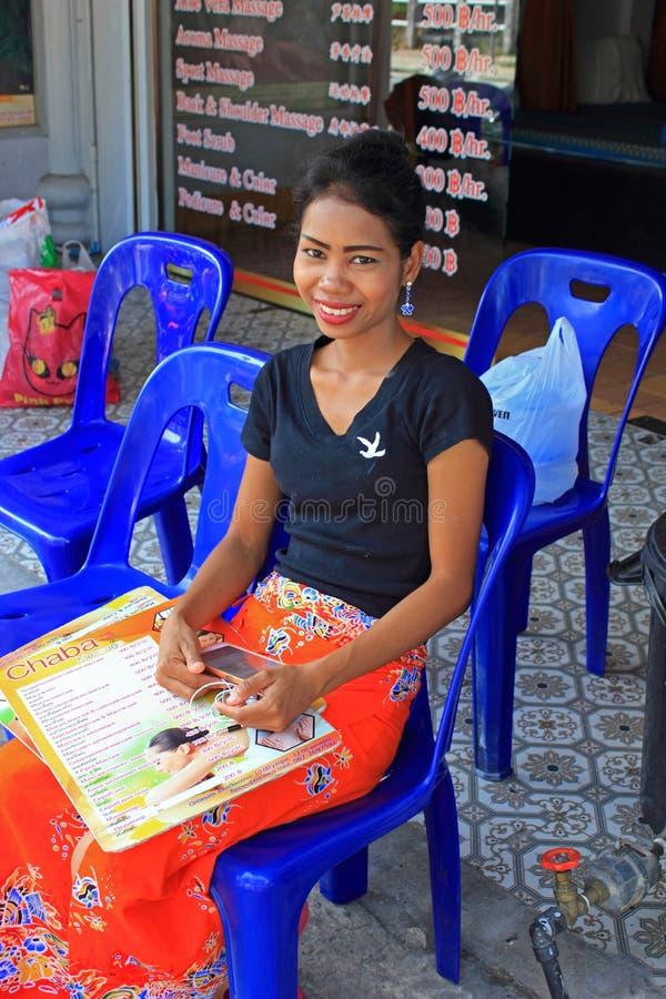 Muchacha tailandesa del masaje, playa de KATA, Phuket, Tailandia fotos de archivo