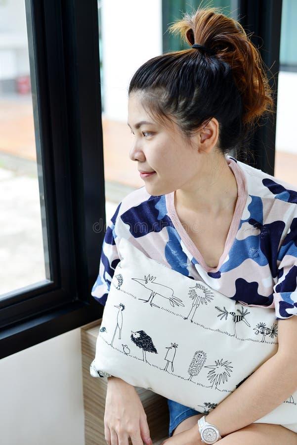 Muchacha tailandesa del retrato fotografía de archivo