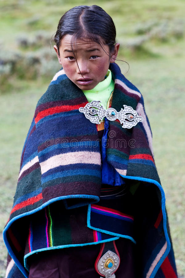 Muchacha tibetana en Dolpo, Nepal imagen de archivo libre de regalías