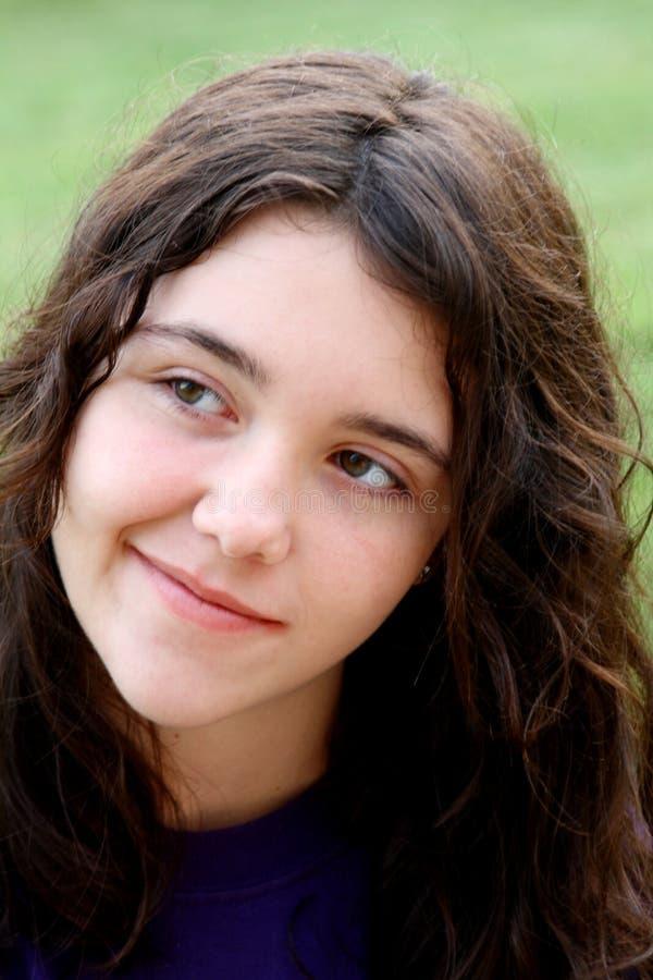 Muchacha triguena joven 3 sonrientes imágenes de archivo libres de regalías