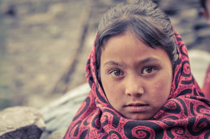 Muchacha y ornamentos en Nepal foto de archivo libre de regalías