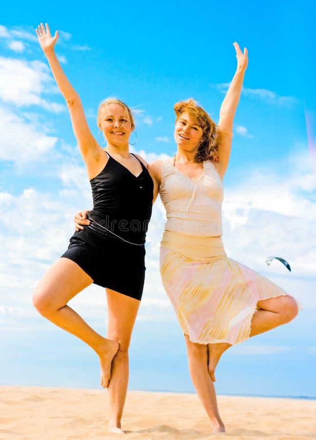 Muchachas de baile foto de archivo libre de regalías