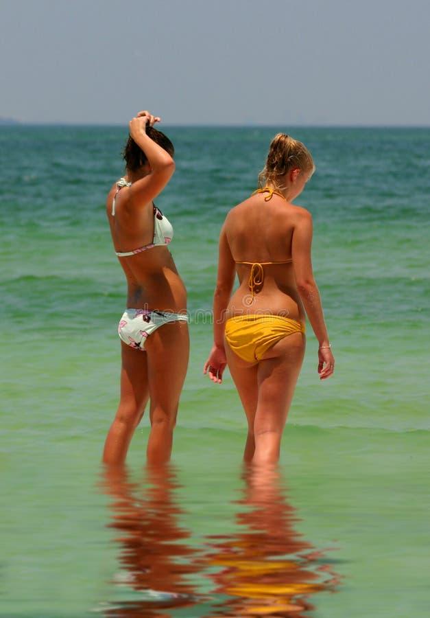 Download Muchachas de la playa imagen de archivo. Imagen de adolescencias - 181545