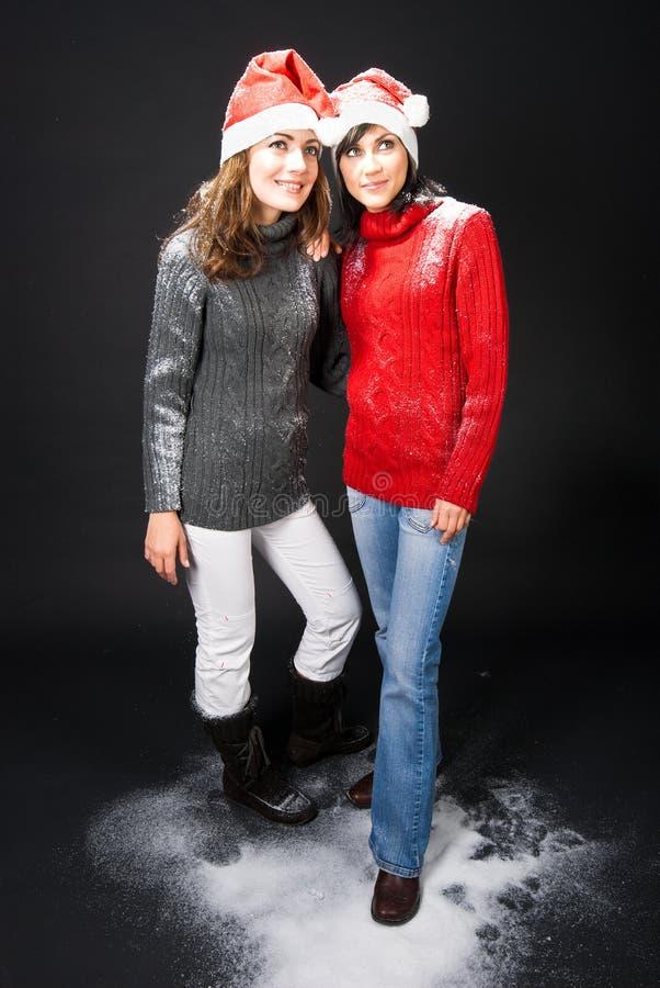 Download Muchachas Que Se Colocan En Nieve Imagen de archivo - Imagen de lindo, diviértase: 7278053