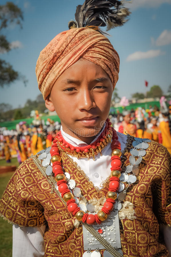 Muchacho con el turbante en Meghalaya foto de archivo libre de regalías