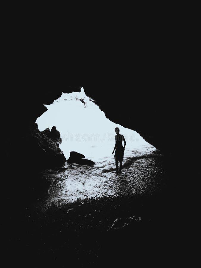 Muchacho de la cueva fotos de archivo libres de regalías