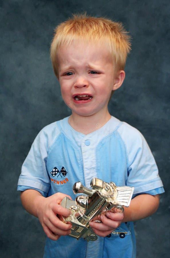 Muchacho gritador del niño foto de archivo