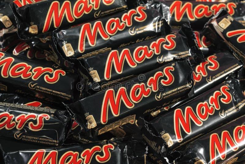 Muchas barras de chocolate de Marte fotografía de archivo libre de regalías