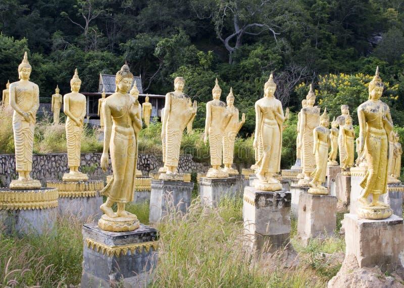 Muchas estatuas de Buddha fotografía de archivo
