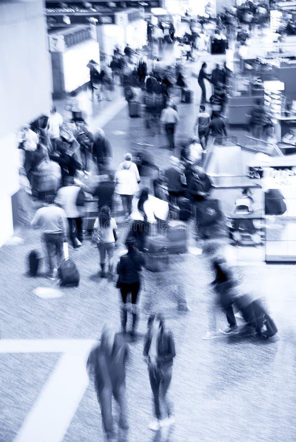 Muchedumbre del aeropuerto imagenes de archivo