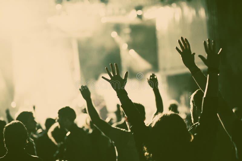 Muchedumbre en el concierto fotos de archivo libres de regalías