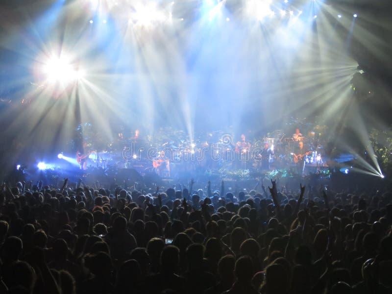 Muchedumbre en el concierto imagen de archivo