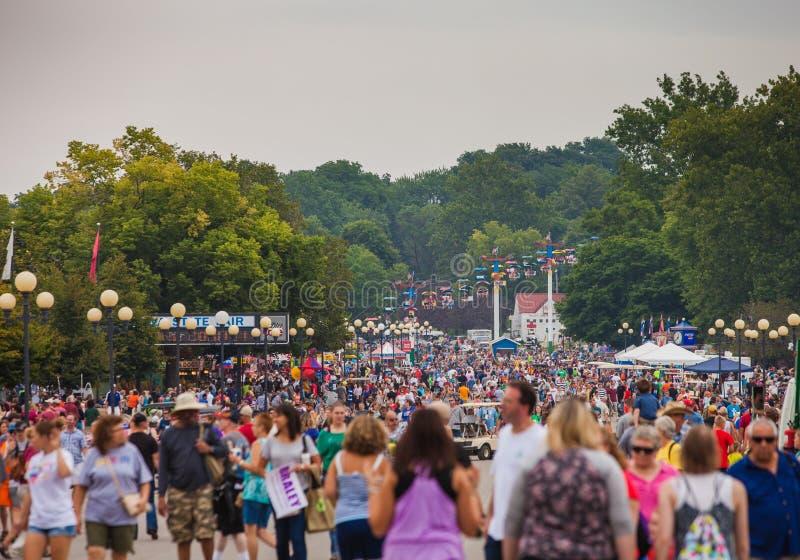 Muchedumbre en el estado de Iowa justo foto de archivo