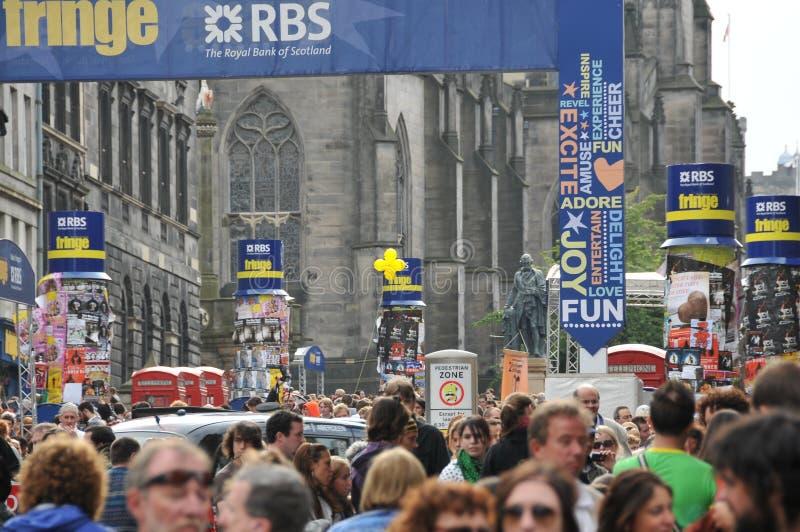 Muchedumbre en el festival de la franja de Edimburgo fotos de archivo libres de regalías