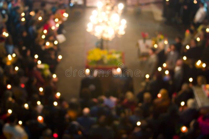 Muchedumbre enmascarada de la iglesia fotos de archivo