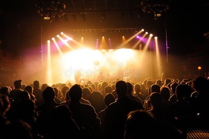 Muchedumbre que mira un concierto en San Miguel Primavera Sound Festival imagen de archivo libre de regalías