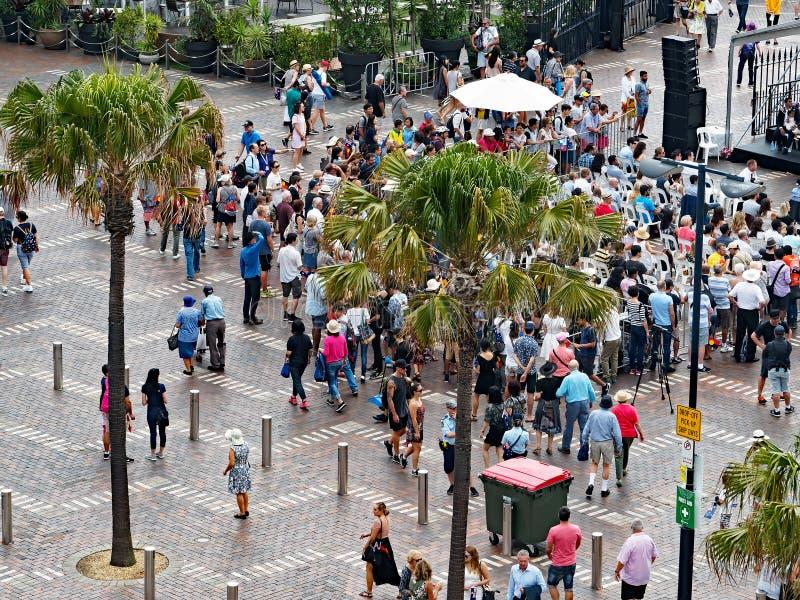Muchedumbres del día de Australia, Quay circular, Sydney imagen de archivo libre de regalías
